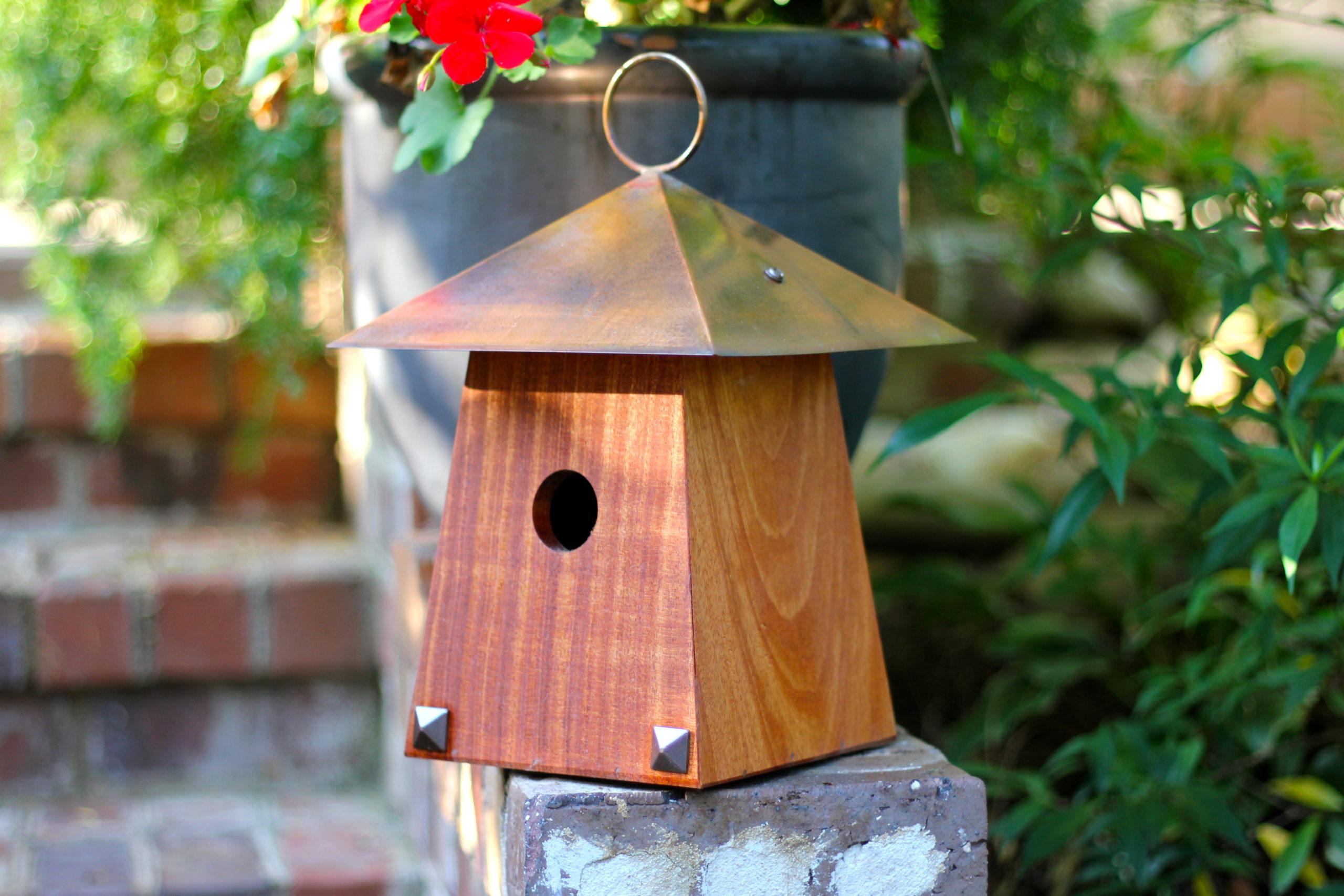 the bird house mi Avian Bungalow